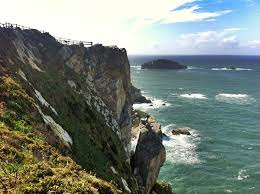 flights to asturias, easter holidays www.meridiano180.com